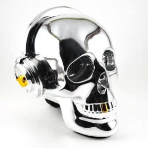 OneDer-v7-bluetooth-wireless-speaker-mobile-ηχείο-νεκροκεφαλή-skull-silver-ασημί-cover